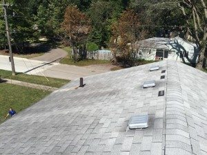 shingle roof cleaning before2 e1456326327652